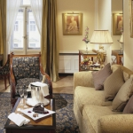 opet_1366x570_room_executive_suite01