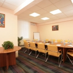 maxima-zarya_matisse-meeting-room